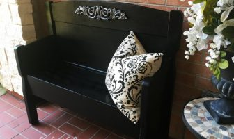 Gorgeous black bench